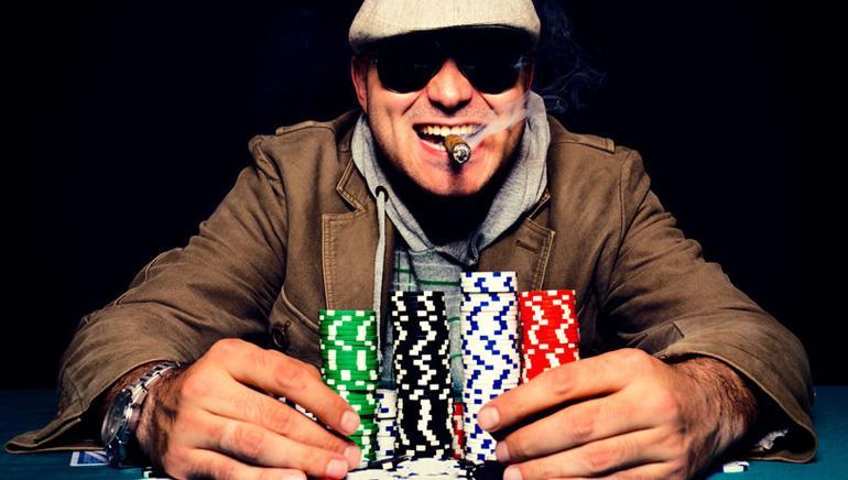happy-poker-player