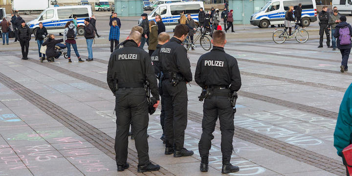an-entire-street-got-evacuated-after-police-thought-a-sex-toy-was-a-bomb_1